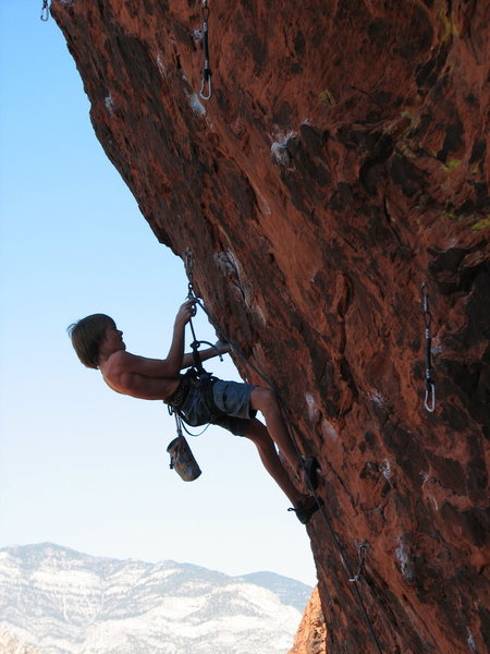 Urs half way up The Gift 5.12d in Red Rocks, Nevada.