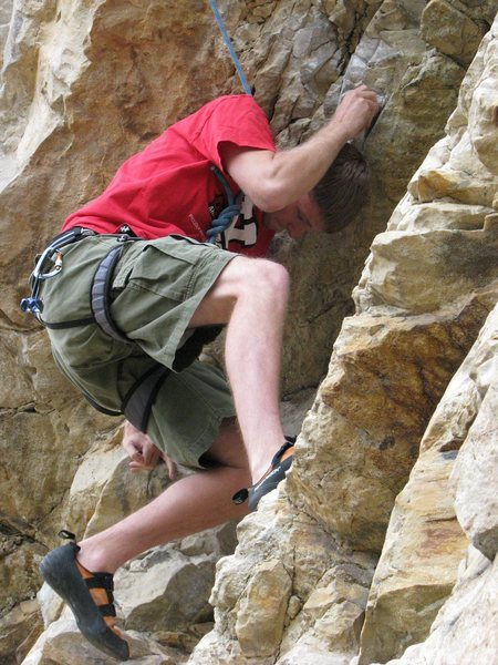 Rock Climbing Photo: Palm pressing under a roof, or coiling up for the ...