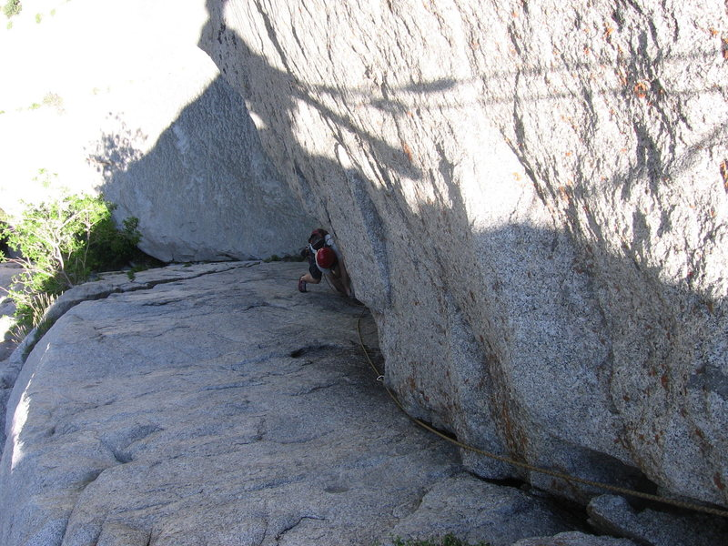 Hoskins working past the roof - P1: EllsWorth McQuarry Route<br>