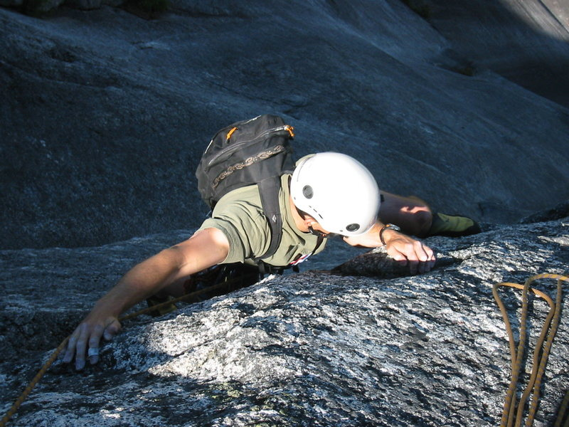 Rock Climbing Photo: Simon making the Traverse from Unfinished Symphony...