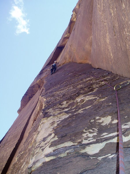 Rock Climbing Photo: Deanna sending the 3rd pitch right before she onsi...