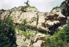 Rock Climbing Photo: Left side of Khumbu's Cove & Juniper Tree Area fur...