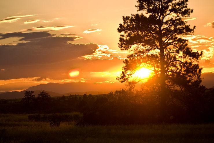 Rock Climbing Photo: Summertime sunset over Castlewood Canyon. Photo ta...