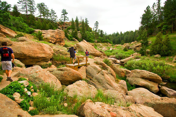 Rock Climbing Photo: Hiking out of the Buddha Boulder/Berthoud Cave are...