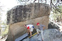 Rock Climbing Photo: Setting up the pads for British Rail, V4