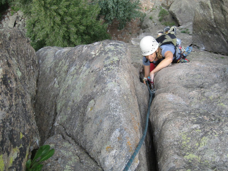 MaryKay works up the final moves of the classic Empor Finish on Cob Rock! Wonderful, exposed moves.