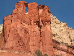Rock Climbing Photo: Tip Toe thru two lips runs up the crack system on ...