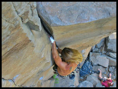 Rock Climbing Photo: About halfway up Loose Lips, getting ready to pull...