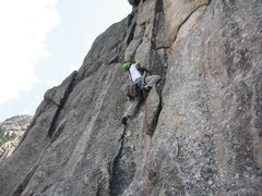 Rock Climbing Photo: The burly 5.8 (4th pitch) of White Whale at Lumpy ...