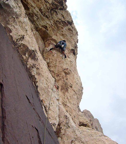 Rock Climbing Photo: Launching onto the airy traverse of pitch 3.
