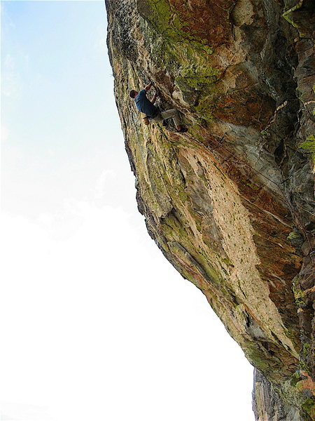 Rock Climbing Photo: Vince Bates cruising on the second ascent.