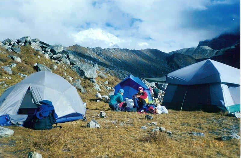 Samiti Pokhari camp with Kangchendzonga in the distance.