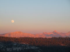 Rock Climbing Photo: Moonrise and Sunset in the High Country