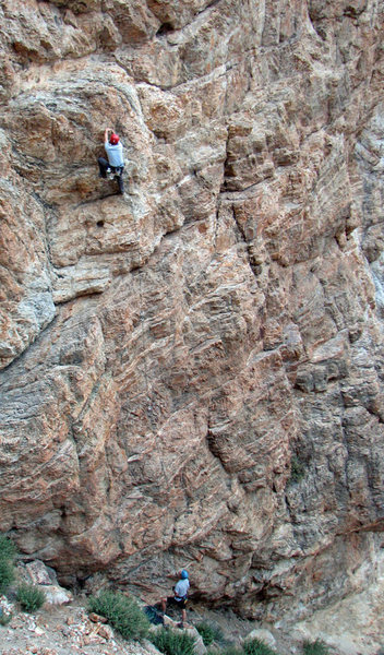 Rock Climbing Photo: Perin Blanchard just below the chains on Lemme Put...