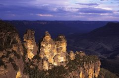 Rock Climbing Photo: The Three Sisters in the Blue Mountains