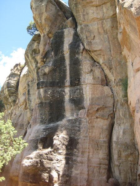 Rock Climbing Photo: The Slaves.