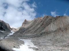 Rock Climbing Photo: The South Face of Ship's Prow.