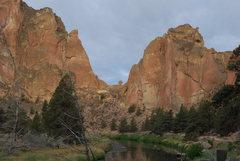 Rock Climbing Photo: Looking toward the pass.