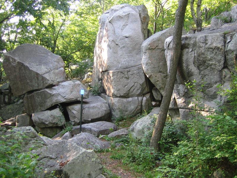 Rock Climbing Photo: The Headstone
