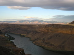 Rock Climbing Photo: View of the Owyhee Range from the rim above the Sn...