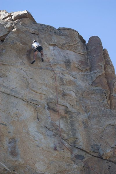 Jeff cruising to the anchors on Hit and Run, 5.11b