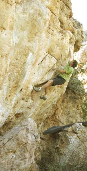 Rock Climbing Photo: Pink Slip V5, another bold helmetless ascent for J...