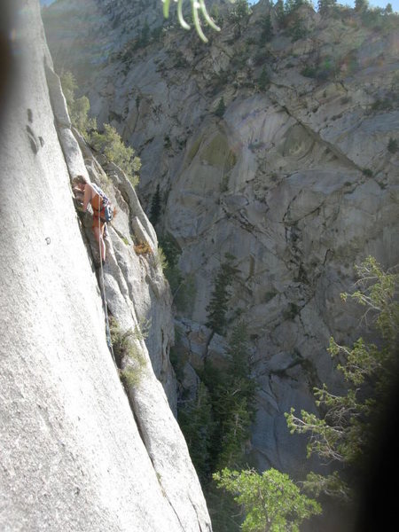 Rock Climbing Photo: Leading the second pitch of the grooves.  The bolt...