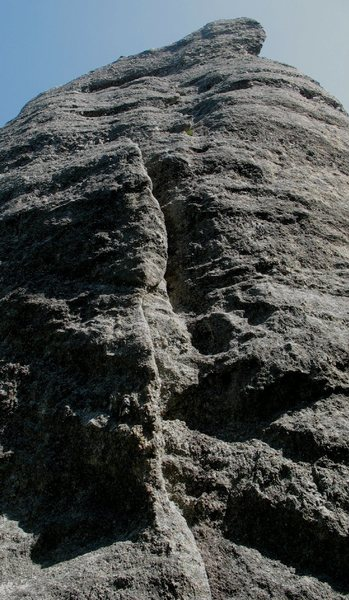 Rock Climbing Photo: Climbs a series of three flakes/cracks, then finis...