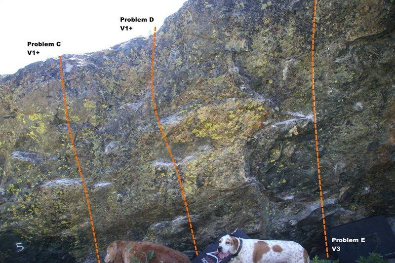 Rock Climbing Photo: Warm Up Boulder Left II Topo