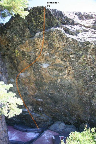 Rock Climbing Photo: Warm Up Boulder Center Topo