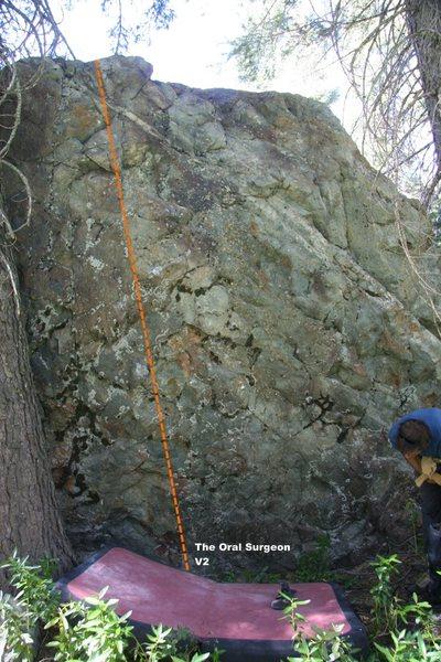Oral Boulder Right Topo