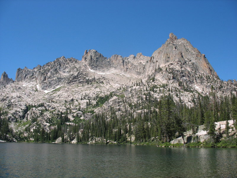 Silicon Tower to Baron Spire, with middle Baron Lake in the foreground.