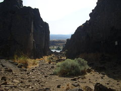Rock Climbing Photo: Horsethief Butte.