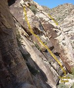 Rock Climbing Photo: Roberto Duran goes up the corner system.  Scramble...