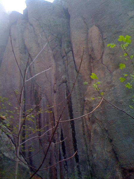 Rock Climbing Photo: Right Crack, Lower God's Area, Old Rag, Virginia.