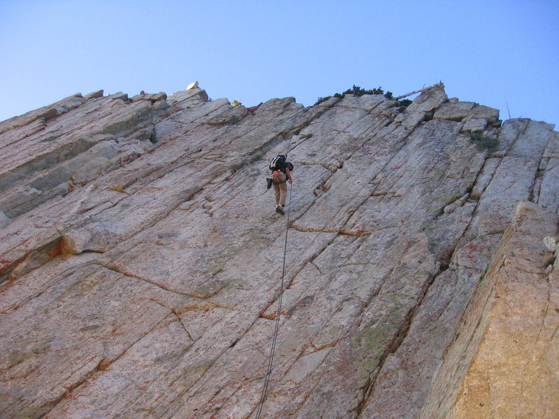 Rock Climbing Photo: A rap into the notch.  A 70m helps