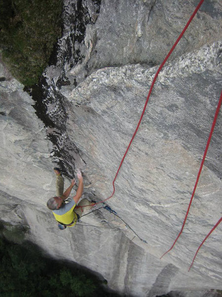 Ralph Fickel following the headwall.  Who says NC slabs aren't steep?! <br> photo by Arno Ilgner
