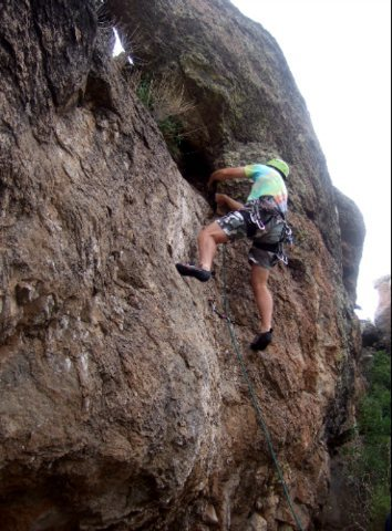 Rock Climbing Photo: Working it up to the no hands rest knee bar on Way...