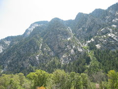 Rock Climbing Photo: Resort Buttress.  Access via Goat Gully on right s...