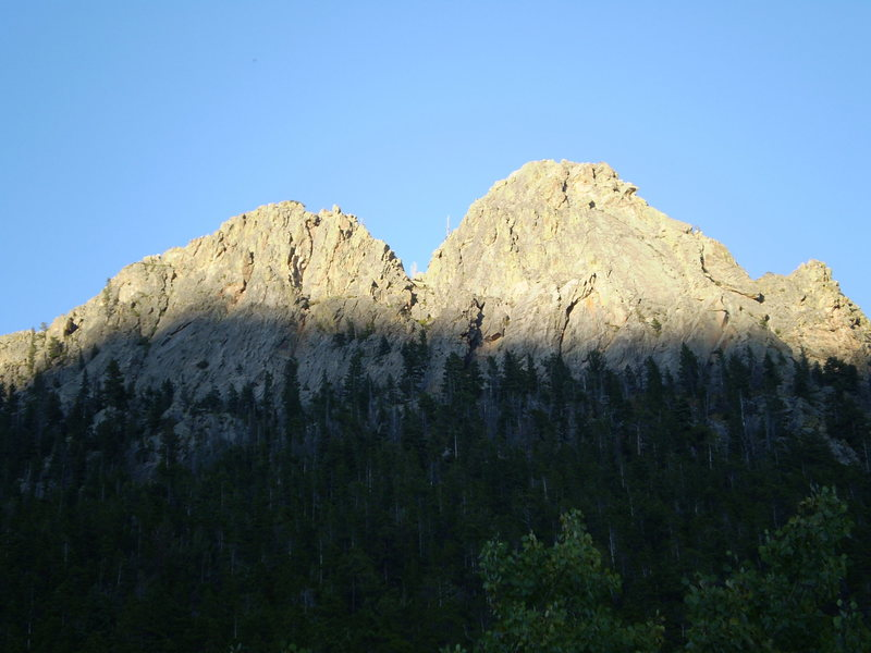 Rock Climbing Photo: The left and right buttresses in the late afternoo...