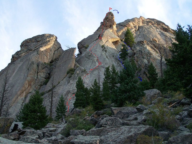 Route in three pitches, with 2 rap descent (summit, last 50').