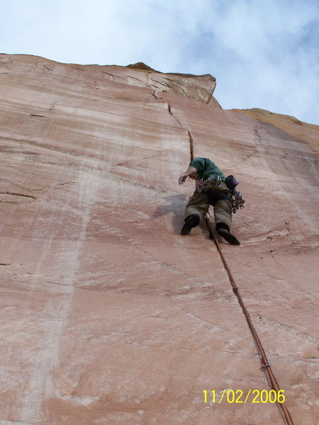 Rock Climbing Photo: Finally at the rest. Climbs splitter fingers to th...