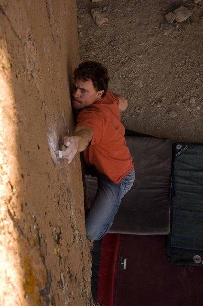 Rock Climbing Photo: Matthew NM making the opening move on Mr Witty