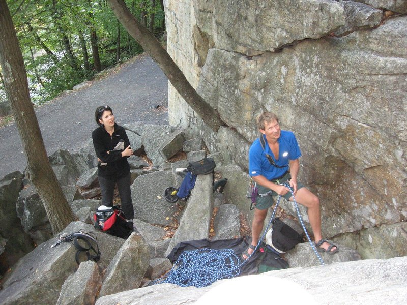 Rock Climbing Photo: Belaying below Ken's Crack