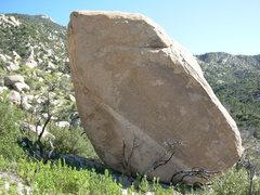 Rock Climbing Photo: Quartz Band Boulder