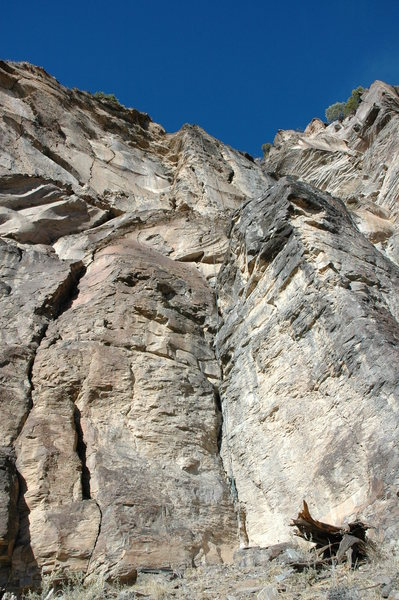 Rock Climbing Photo: Mother, goes up dark face to left of loose wide cr...