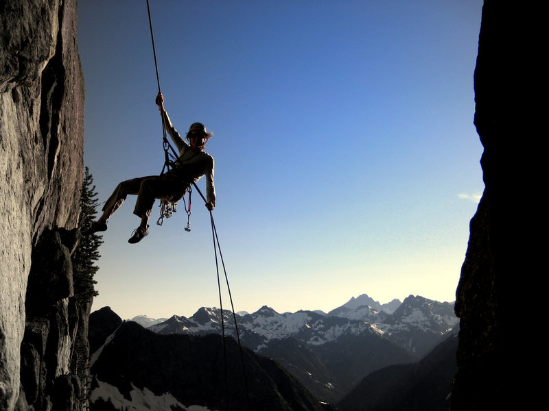 Rock Climbing Photo: Rappelling over the chockstone