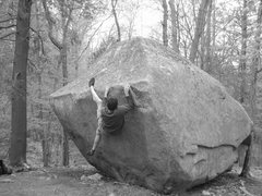 Rock Climbing Photo: A nice view of the Entrance Boulder. Unknown mantl...