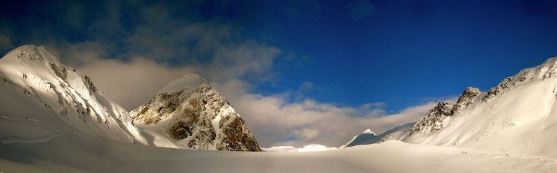 Rock Climbing Photo: 3rd finger glacier cirque west of Nadahini