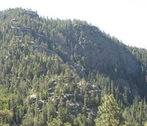 Rock Climbing Photo: Overview picture of the Vallecito crags. The penth...